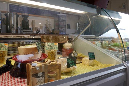 Emi's Delicatessen & Cafe: Cheese
