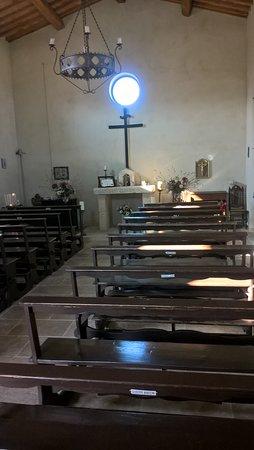 Agriturismo San Lorenzo: Interno chiesetta