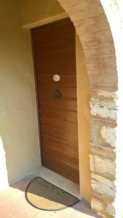 Agriturismo San Lorenzo: Ingresso camera Leccino 1