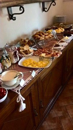 Agriturismo San Lorenzo: buffet colazione