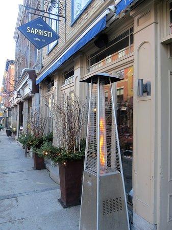 Sapristi Bistro-bar sur la rue St-Jean
