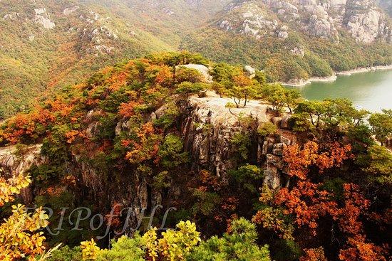 Oksunbong Peak