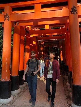 Guide in Fushimi-Inari Shrine
