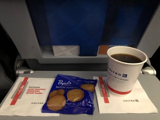 United Airlines: Snacks