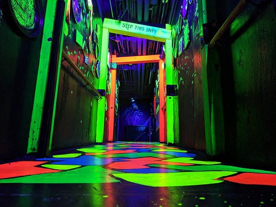 Amazing Chicago's Funhouse Maze