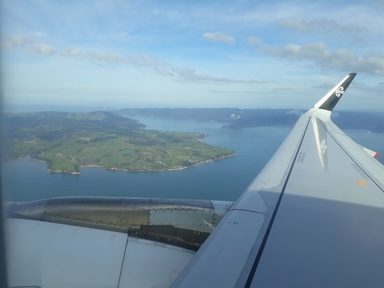 Air New Zealand: Leaving Auckland heading South.