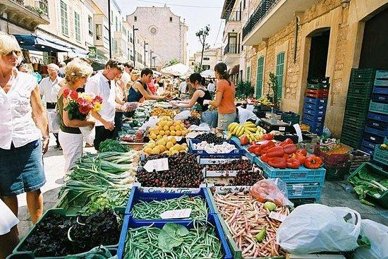 Excursão ao mercado semanal de Inca...