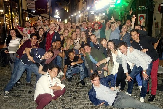 Bucarest Pub Crawl en el casco antiguo