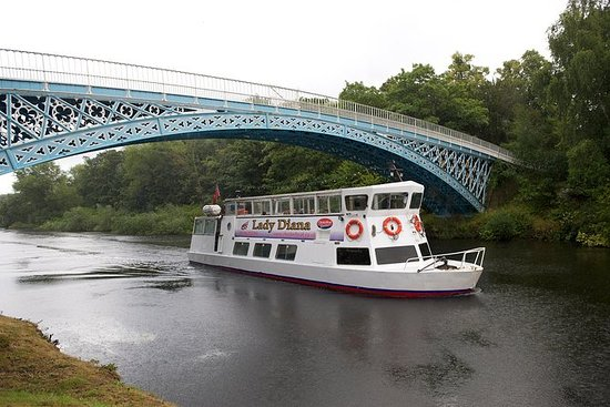2-Hour Iron Bridge Cruise on River...