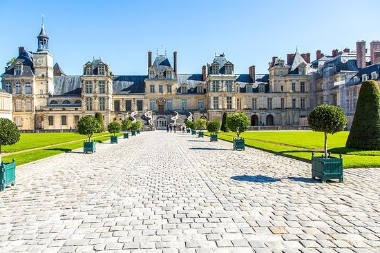 Fontainebleau Palace and The...