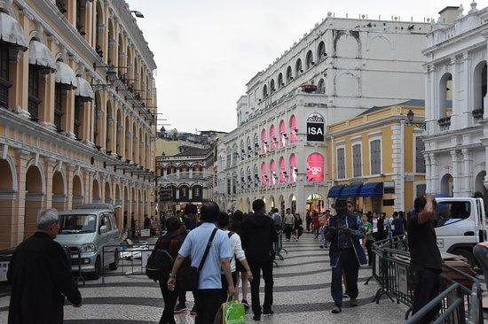 Largo do Senado (Senado Square): Square