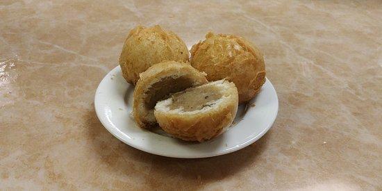 炸蓮蓉包 - Deep Fried Lotus Seed Paste Buns