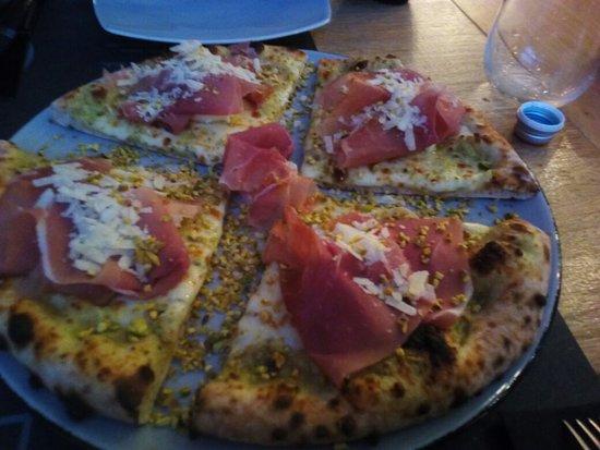 Rastignano, Italia: Pizza gourmet pistacchia...gustosissima!!!