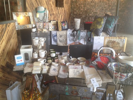 Woodstock, Jihoafrická republika: One World decor & accessories. Craft & Design. Handcrafted quality items made in Cape Town and nationally in South Africa.