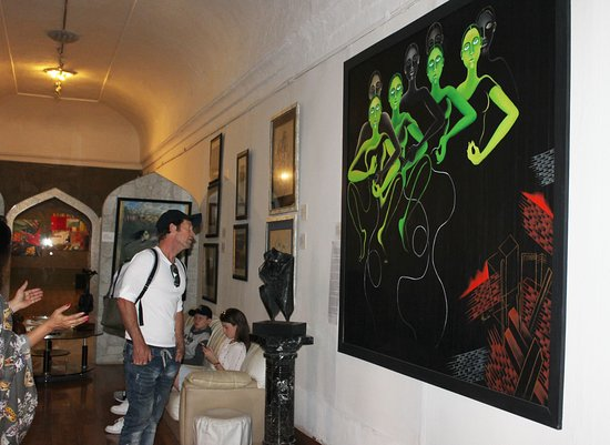 Jonty Rhodes the former South African  International cricketer visited Gallery Artchill inside  AmerFort, Jaipur