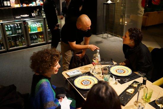 Akademia - Open Kitchen Restaurant: a tavola