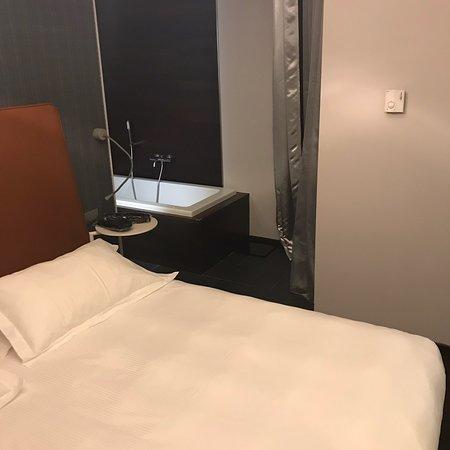 Moderno Hotel Pavia: Interno stanza