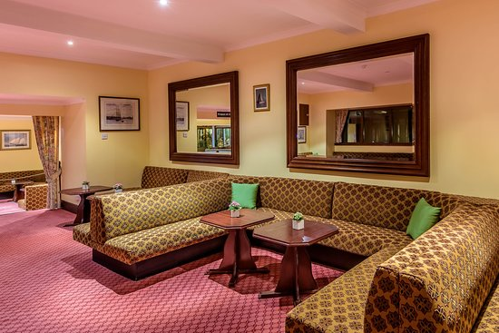 Muthu Dalmally Hotel Lounge & Bar