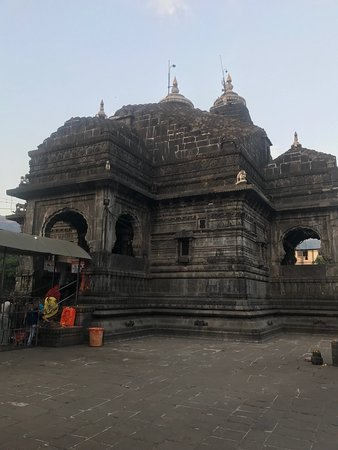 Trimbakeshwar Shiva Temple: Temple view from inside -6