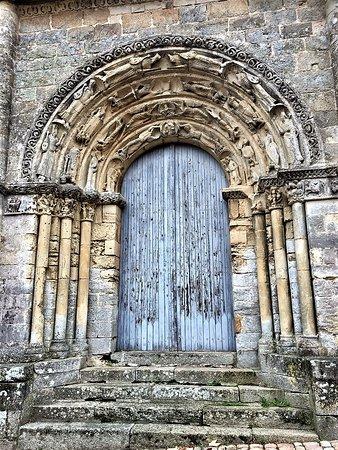 Restes de l'ancienne eglise Notre-Dame-de-la-Couldre