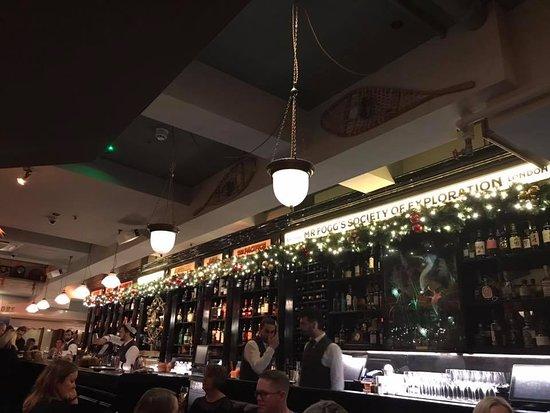 Mr Fogg's Society of Exploration: Bar