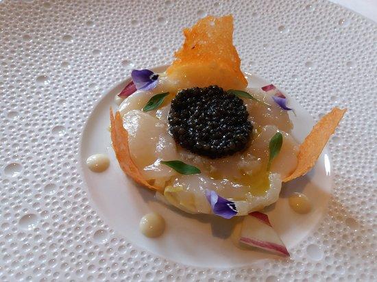 1er service : Saint-Jacques/Caviar osciètre/endive