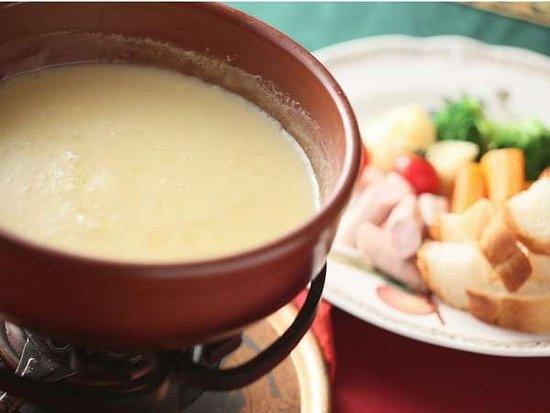 ディナーはフレンチコース・チーズフォンデュのコースからお選びください