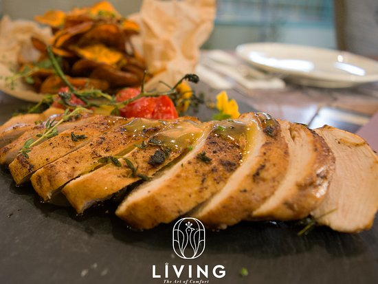Chicken tagliata with sweet mustard sauce served with sweet potato chips.