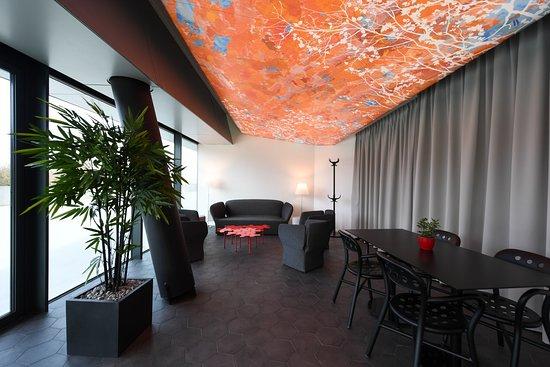 Экс-ан-Прованс, Франция: Notre espace lounge vous accueille pour vos apéritifs