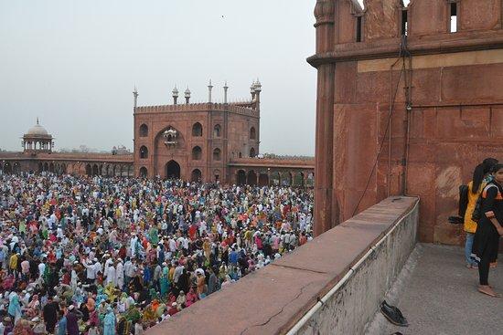 Friday Mosque (Jama Masjid): people in jama masjid for ramadan