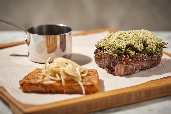 Equus Restaurant: Magret de pato a la sal de hierbas, milhojas de patata e hinojo marinado en cerveza