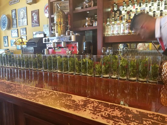 Little Havana Food and Walking Tour in Miami: Mojitos lined up for us!