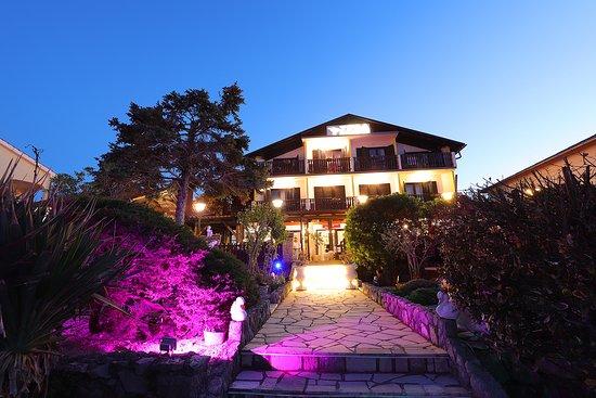 Hotel Pension Zeba & Riviera