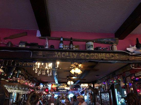 Ozona, FL: Molly's bar