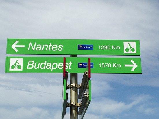 Dannemarie, France: Affiche devant le relais