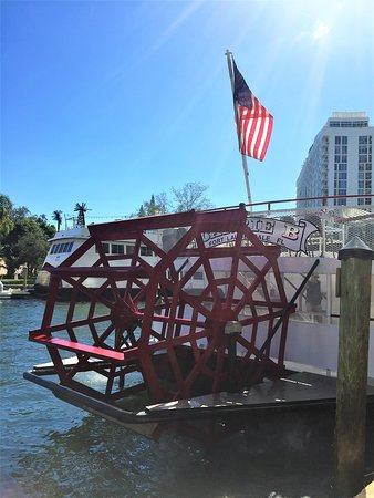 "Fort Lauderdale Daily Sightseeing Cruise ""On the Venice of America."": The Carrie B stern wheel."