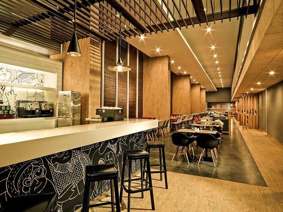 Ibis Gading Serpong: Restaurant