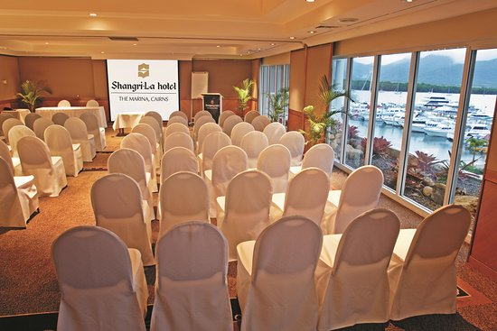 Shangri-La Hotel, The Marina, Cairns: Marina Rooms Conference Set