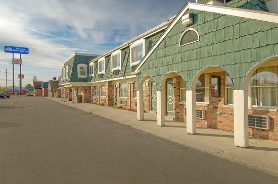 Americas Best Value Inn - Marion: Rear Exterior
