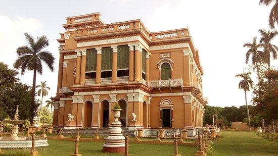 This is kathgola palace ,2nd largest museum after Hazarduari in Murshidabad. it's built by Raja Laxmi path Singh Dugar Bahadur..