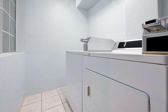 Dumas, TX: Laundry