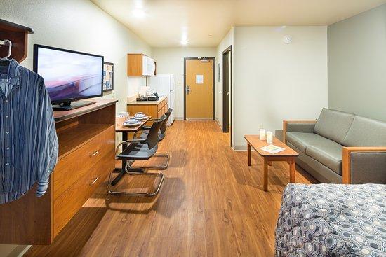 WoodSpring Suites Fayetteville Fort Bragg: Int Diagonal Staged