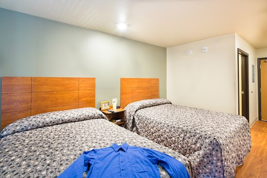 WoodSpring Suites Fayetteville Fort Bragg: Int Double Staged