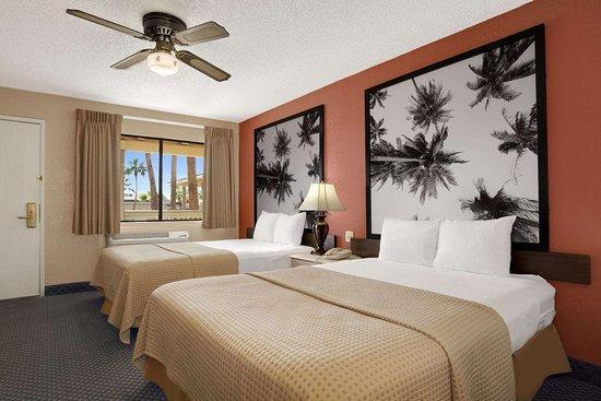 El Centro, Kalifornien: Standard Two Queen Bed Room