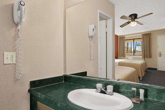 El Centro, Калифорния: Bathroom