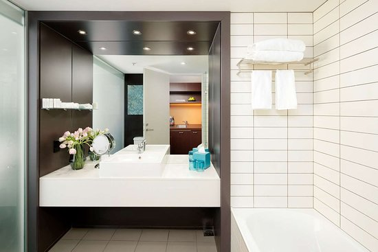 Deluxe and Superior Bathroom