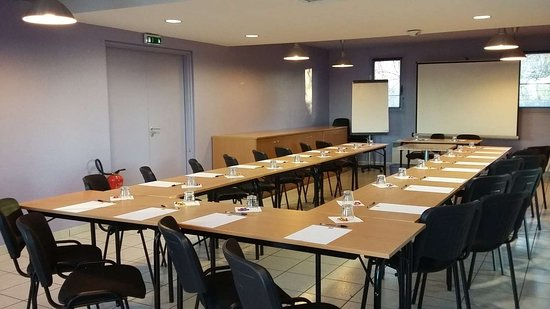 Chilly-Mazarin, France: Meeting Room