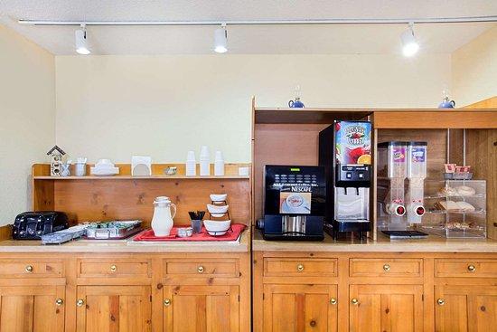 Days Inn by Wyndham Auburn: Property amenity