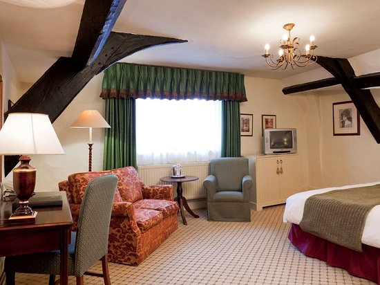 Mercure Banbury Whately Hall Hotel: Guest room