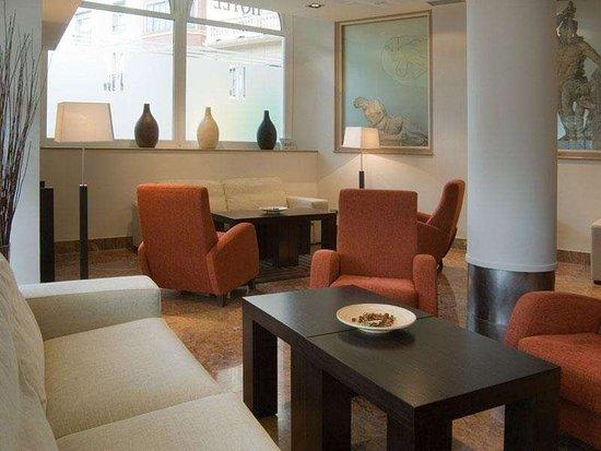 Sercotel Hotel Codina: Lobby View